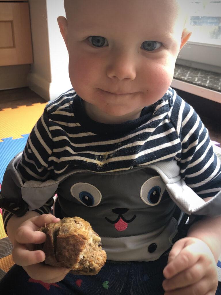 carrot and raisin muffins